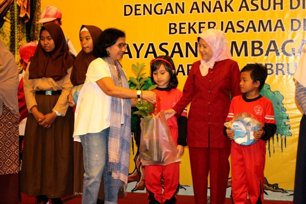 Bantuan Berkelanjutan Orang Tua Asuh
